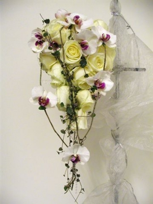 06292f9cdd0b Jag valde orkidéer och det är dyrare... min bukett kostade 3500:- och var  underbar. från bernzons blommor i Stockholm