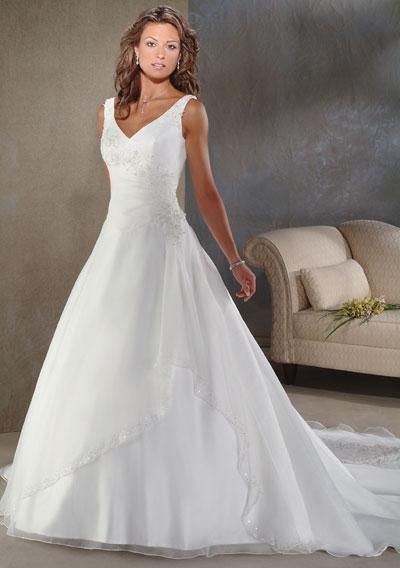 09088d7da13c Bröllopsklänningar - bilder - BröllopsGuiden