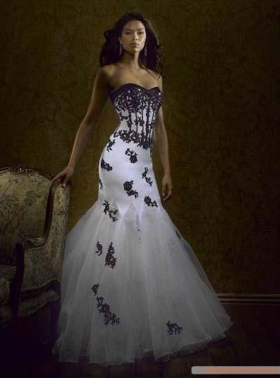 7a7676973476 Hm.. eller denna klänning?? Fast som två delade. Vill kunna använda  korsetten vid andra festliga tillfällen. Rösta gärna på forumet: Hjälp med  val av ...