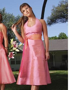 387c9a5f37c9 Brudnäbb, tärna, festklänningar - bilder - BröllopsGuiden