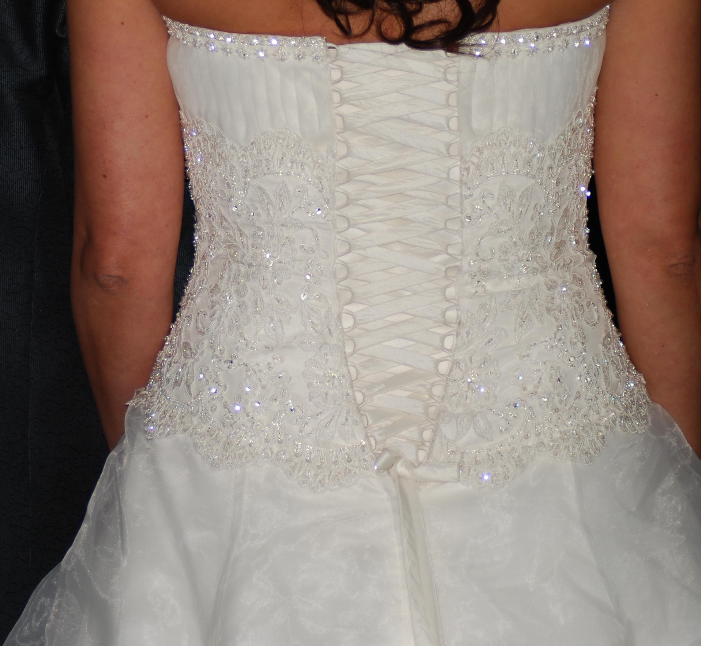 Bröllopsklänningar - bilder - BröllopsGuiden c9193b55c0e17