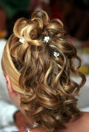 updo-prom-bride-hairstyles-is064