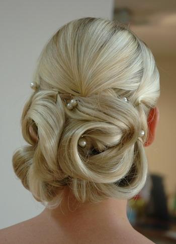 pärlor till håruppsättning